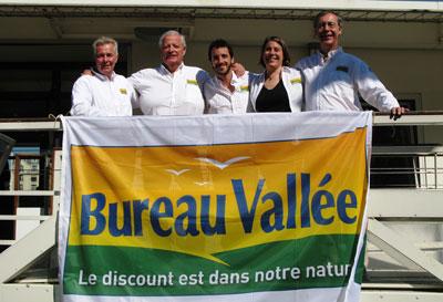 Louis burton et bureau vallée participeront au vendée globe
